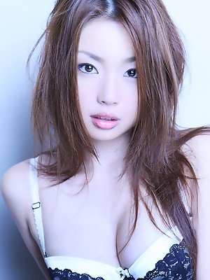 Exquisite gravure babe with gorgeous smooth lily white skin